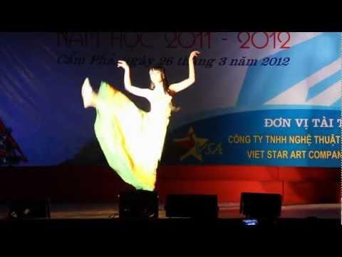 NỮ SINH THANH LỊCH THPT CẨM PHẢ 2012