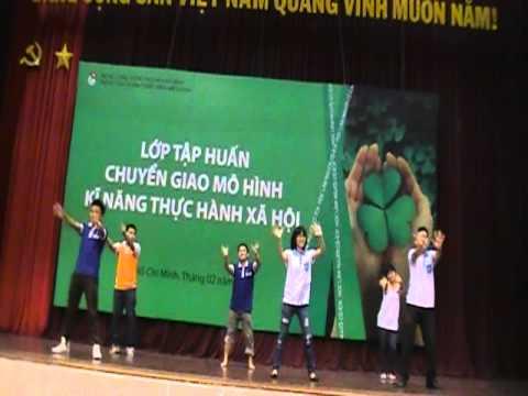 Dân vũ Múa gối - Trung tâm HT&PT Thanh Niên Hà Nội - Hanoiadc.org.vn