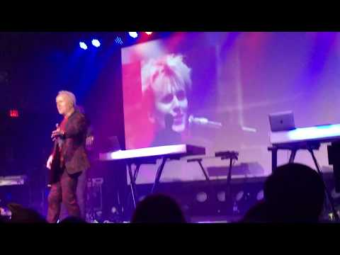 Howard Jones at Saint Andrews Hall Detroit MI, June 19, 2019 New Song