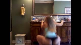 بنت اجنبية سكسي ترقص رقص ساخن