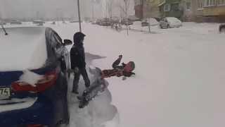 Тополиная аллея Челябинск Снегопад 25 апреля 2014 часть 2