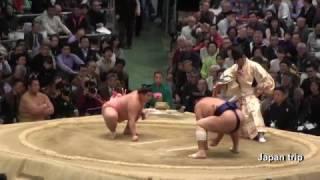 2017年大阪場所での宇良 vs 栃煌山の取組。