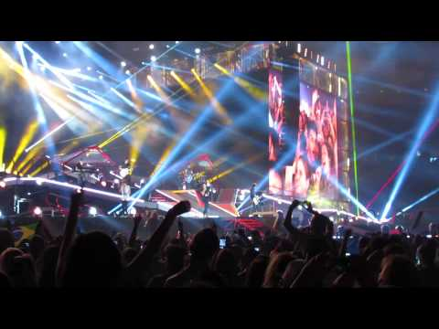 "One Direction singing Live at Gillette Stadium 8/9/14 ""Best Song Ever"""