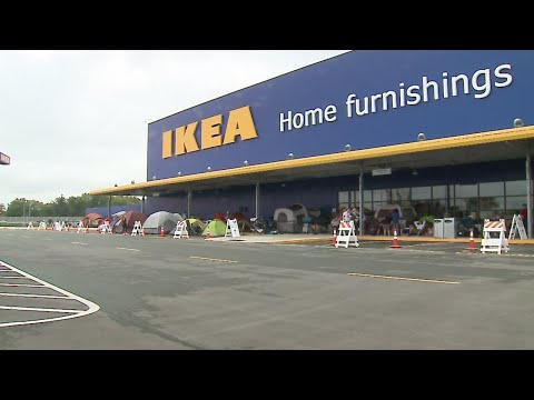 People line up for Ikea opening in Fishers