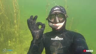 Sākotnēji plānojam braukt uz Juglas ezeru medībās. Saģērbjamies un lienam iekšā! opaaaa atkal redzamības nav un nezinu kāpēc, bet man pēdējā laikā ar redzamību neiet :D  Netērējam laiku un mainam plānus.  Ar Andi izdomājam vienkārši aizbraukt uz Sauriešu karjeru pabaudīt dzidro ūdeni un relaksē'joši papeldēt.  Noskaties video un neaizmirsti atbalstīt mani  ;-)  Neliela pateicība PayPal - https://www.paypal.me/RolandsMatisons  Atbalsti manu kanālu - https://streamlabs.com/roliss   ROLISS Instagram - https://www.instagram.com/rolissstreelnieks  ROLISS feisītī - https://www.facebook.com/RolissStreelnieks  Reitings - https://socialblade.com/youtube/c/roliss  #Roliss #streelnieks #zemudensmedibas #videomedibas #zemudensmednieks #underwaterhunting #spearfishing #scorpena #pelde #zemudenspelde #relax #rekomendeju #juglasezers #sauriesukarjers #gopro #freediving  Filmed by: GoPro Hero 5 SESSION