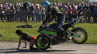 SEXY GIRL BIKE STUNT SHOW - GERMAN RACEWARS 2016