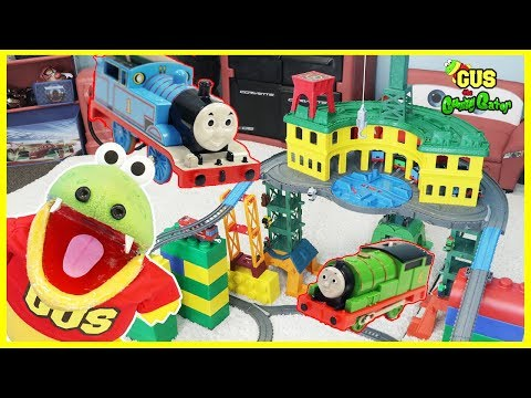 THOMAS & FRIENDS SUPER STATION Playset! BIGGEST Thomas Toy Trains pretend play for kids
