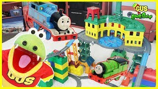THOMAS & FRIENDS SUPER STATION Playset! BIGGEST Thomas Toy Trainset