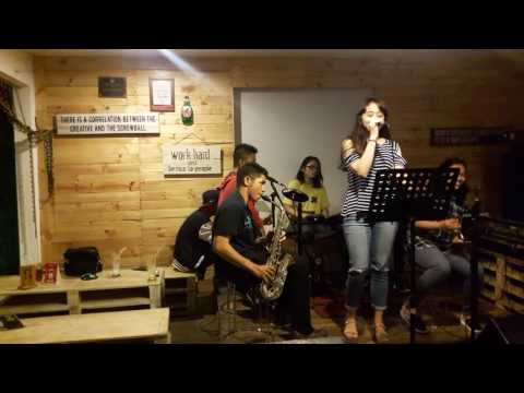 Marya Genova jamming w/friends- We could be in love by Lea Salonga @ Warcos 110816