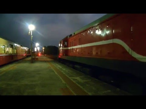 [HD] The Taiwan TRA R105 (3538) and R125 (3671) at the Fangliao Station