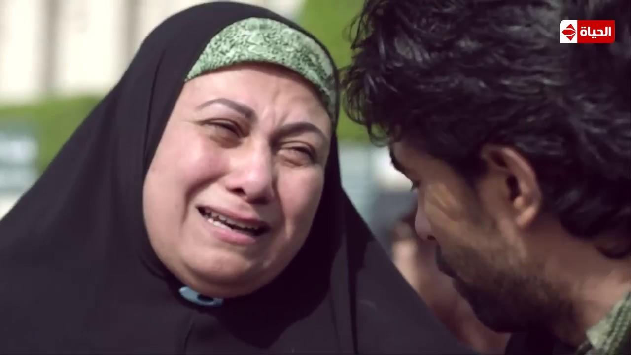 الجنة تحت أقدام الأمهات ليست مجرد كلمات? .. | مشهد مؤثر لتضحية الام من أجل أبنائها |  #بين_السرايات