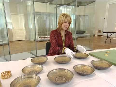 Инна Карпушина с программой 'Путеводительница' в РЭМе. Выставка 'Скифы'