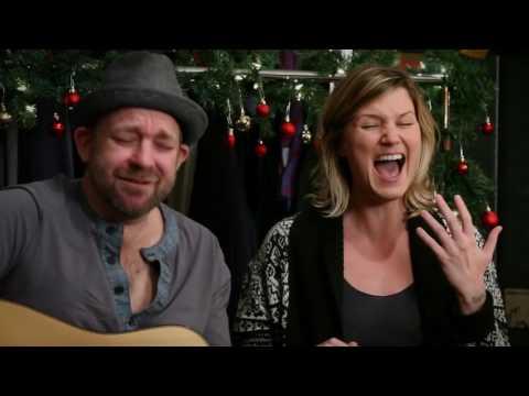 Jennifer Nettles & Kristian Bush -  Little Wood Guitar (2011 Fan Club)