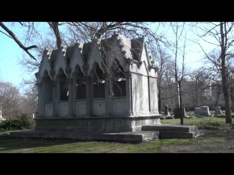 Three Historic Tombs At Chicago