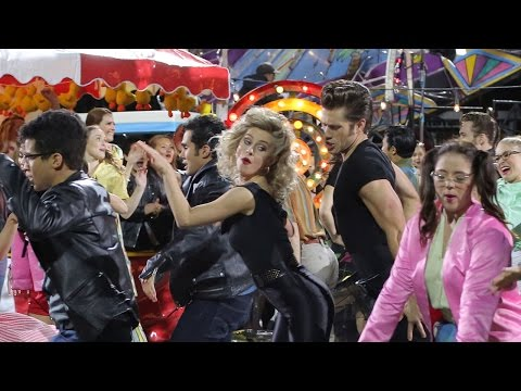 Trailer do filme Grease: live