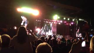 "Bruce Springsteen - ""Waiting On A Sunny Day"" - Wrigley Field, Chicago 9/8/12"
