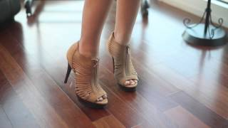 What Color Shoes Match a Navy Blue Dress? : Improving Style & Image