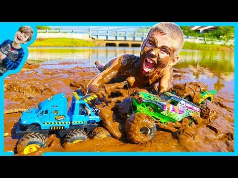 Thumbnail: MONSTER Truck TOW Truck for Kids - Towing GRAVE DIGGER!