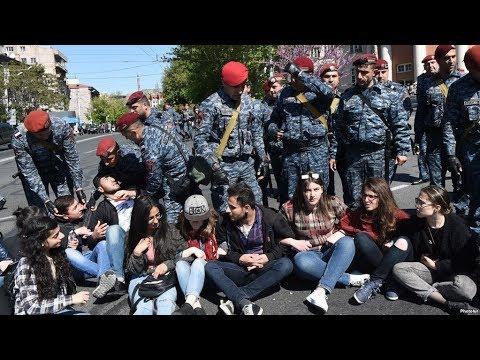 Ереван: полиция задержала не менее 30 демонстрантов / Новости