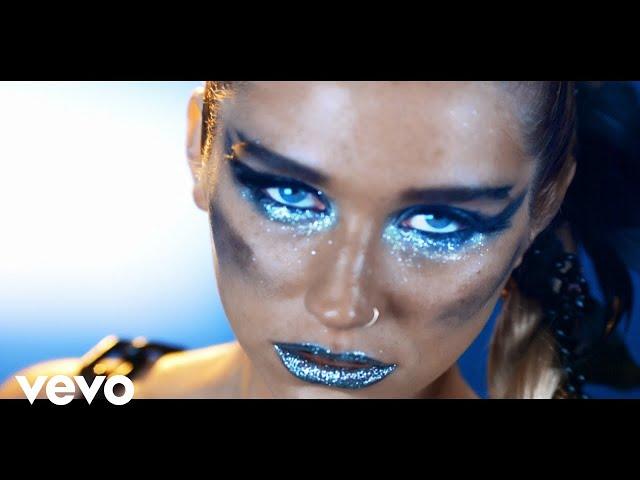 Ke$ha - We R Who We R (Official Video)