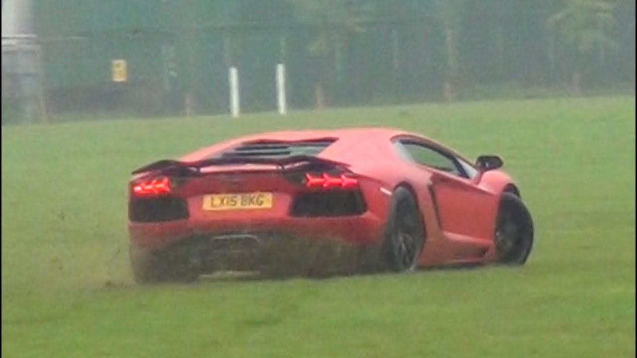 Lamborghini Aventador Sliding Offroad Youtube