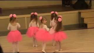 "Танцуем. Танец:  ""Я мишка ГуммиБер"" Gummy_Bear"