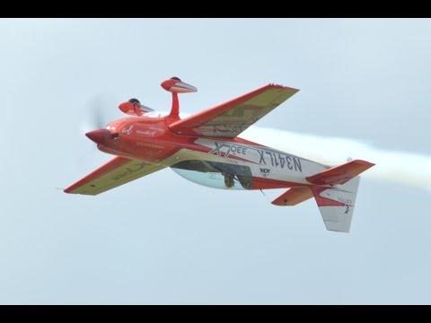 Patty Wagstaff Extra 330 LX Stuart Florida Airshow