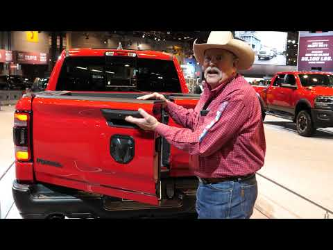 2020 Dodge Ram Multifunction Split Tailgate Demonstration at 2019 New York Auto Show - [4K]