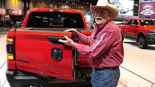2020 Dodge Ram Multifunction Split Tailgate Demonstration at 2019 New York Auto Show - [4K]