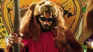 "Snoop Lion ft. Angela Hunte & Major Lazer - ""Here Comes the King"" (Parody Video)"