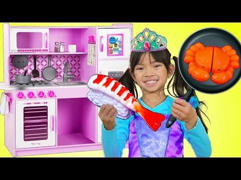 Emma Pretend Play w/ Princess Ariel Costume & Restaurant Kitchen Toys