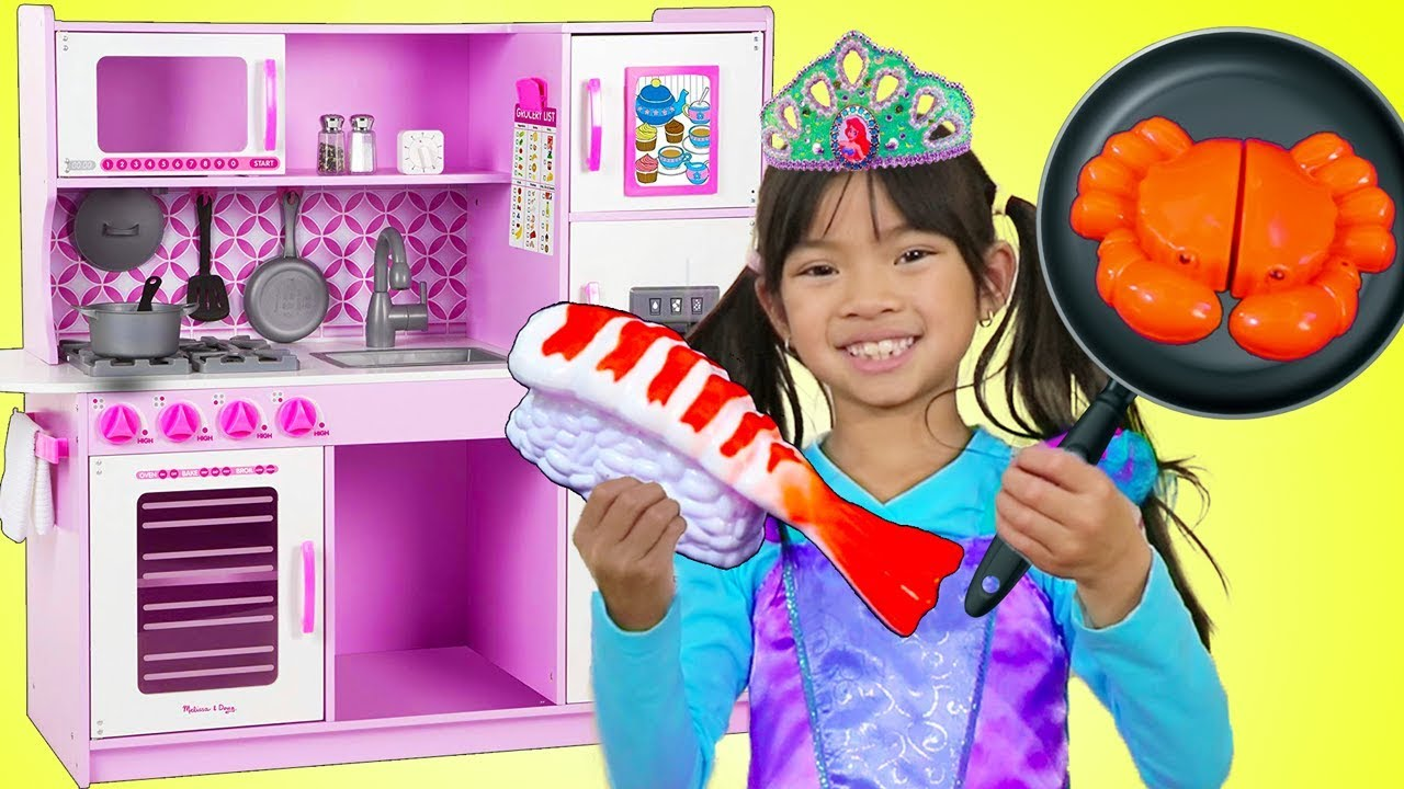 Emma Pretend Play w Princess Ariel Costume & Restaurant Kitchen Toys