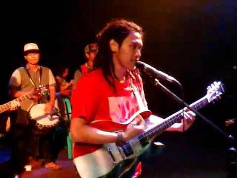 AKAR KELAPA reggae ( cover bangun tidur )