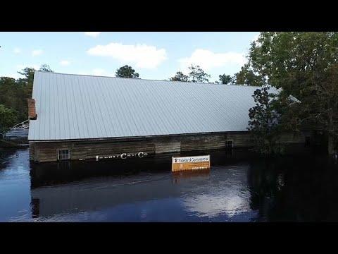 شاهد : منازل مغمورة بالمياه بعد إعصار -فلورنس-  - نشر قبل 9 ساعة