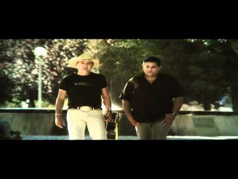 Lucas & Matheus - Explode paixão (Official Video)