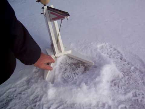 AUTOMATIC ICE FISHING TIP-UP - YouTube