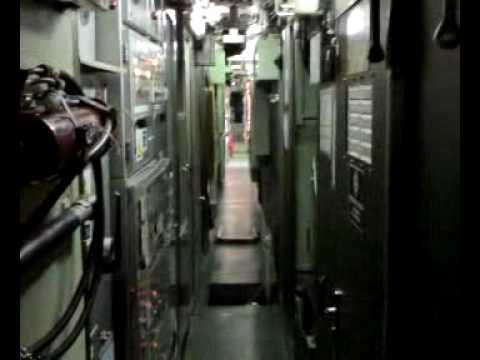 Interior del submarino youtube for Interior submarino