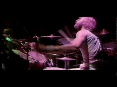 Genesis - Fly on a Windshield / Broadway Melody Of 1974 - In Concert 1976