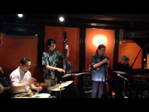 Twilight Special Jazz & Bar em's Pro-Ama Quartet (e-PAQ) on 12 July 2014(Tenderly)
