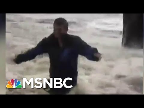 Jacksonville Resident Watching Water Rise In His Neighborhood | MSNBC