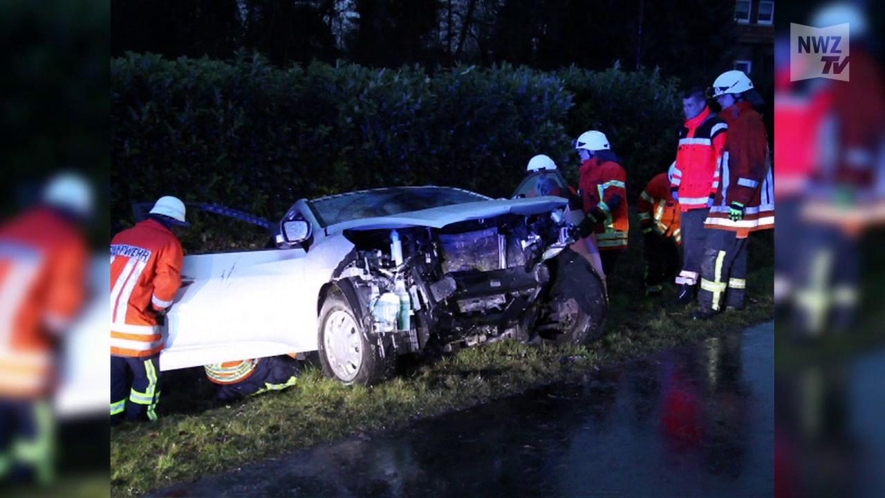 Drei Verletzte nach Verkehrsunfall bei Ahrensdorf auf B401 - YouTube