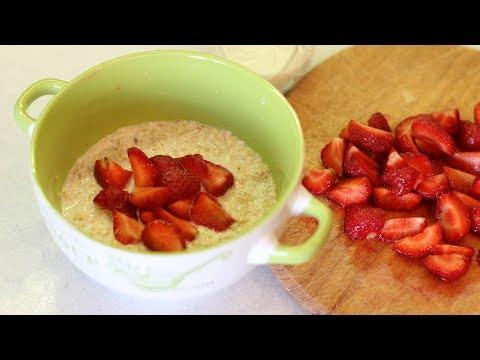 Сыроедение: меню для начинающих   завтрак сыроеда   каша овсяная на кунжутном молоке с клубникой