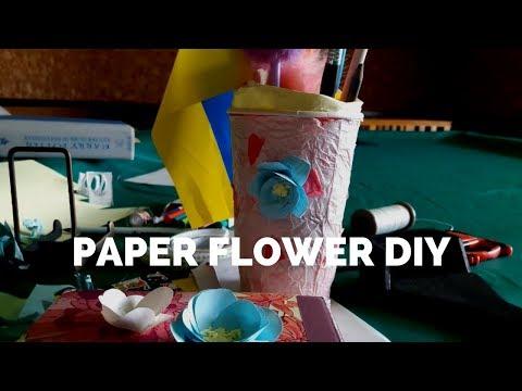 MAKING PAPER FLOWERS // Easy DIY