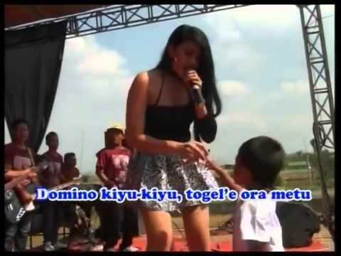 Dangdut hot Doremi  Karaoke Voc  Ayuka XPOZZ