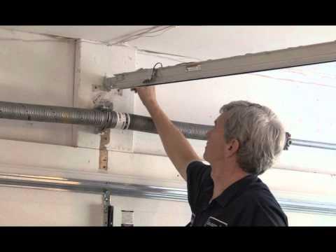 Garage Door Spring Repair Meiners Oaks, CA | 805-244-8223 | Same Day Service