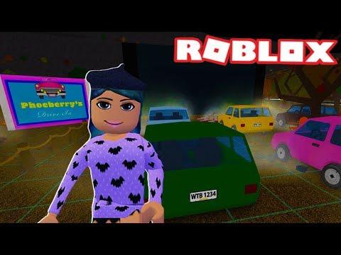 I MADE A DRIVE-IN MOVIE THEATRE ON BLOXBURG | Roblox