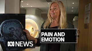 Constant pain changes the way your brain works, scientists find | ABC News