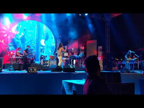 Incubus - Talk Shows on Mute / Need You Tonight (INXS cover) - Live in Pune 11-Feb-18