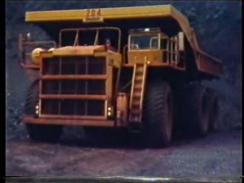 Loading Iron Ore at Hamersley's Tom Price mine. WA.