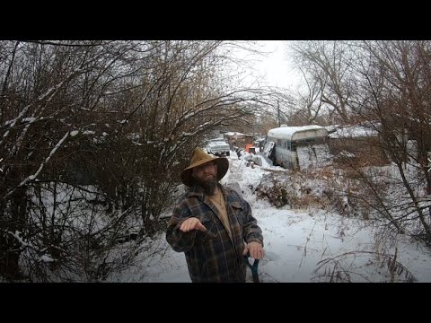 HOMESTEADING ISN'T ALL SUNSHINE and DAISY'S Winter Can Be BRUTAL